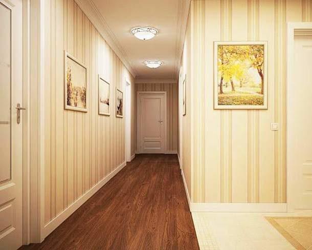 Клеить полотна нужно от двери, параллельно дверным коробкам