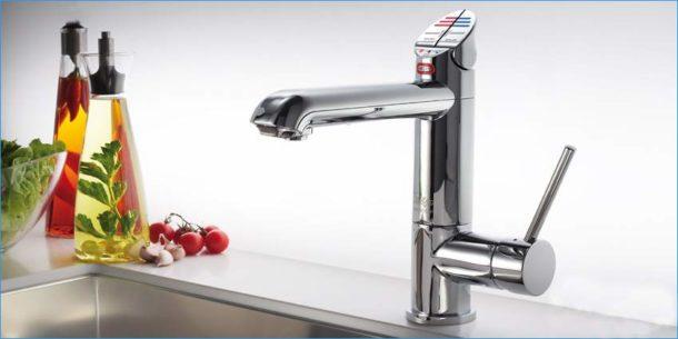 Кухонный смеситель с возможностью подачи фильтрованной воды