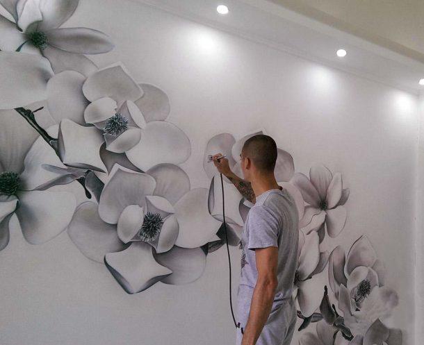 Наносим изображение на подготовленную стену
