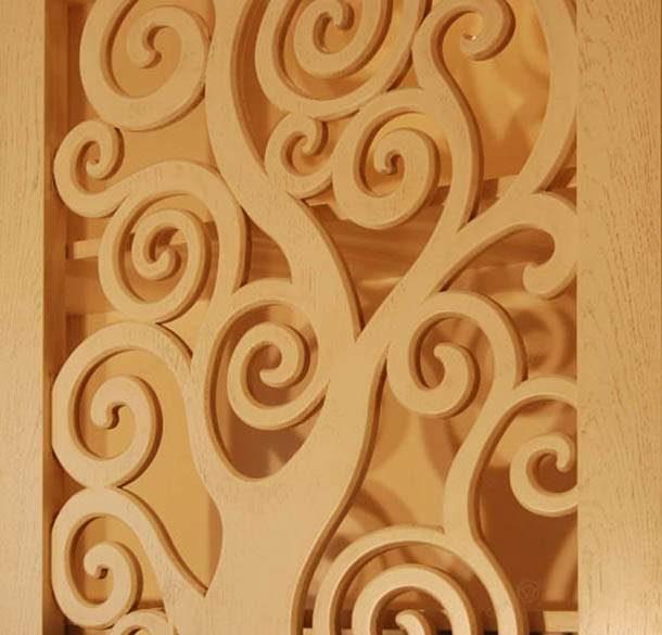 Красивую резную конструкцию из фанеры можно изготовить с помощью электролобзика