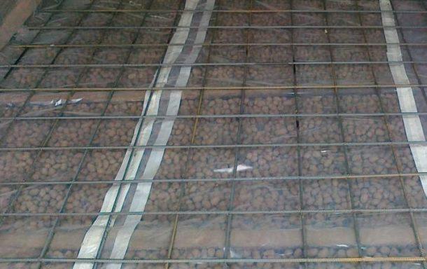 Подготовка керамзита к заливке стяжки