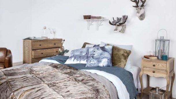 Мебель из натурального дерева - ключевая особенность стиля