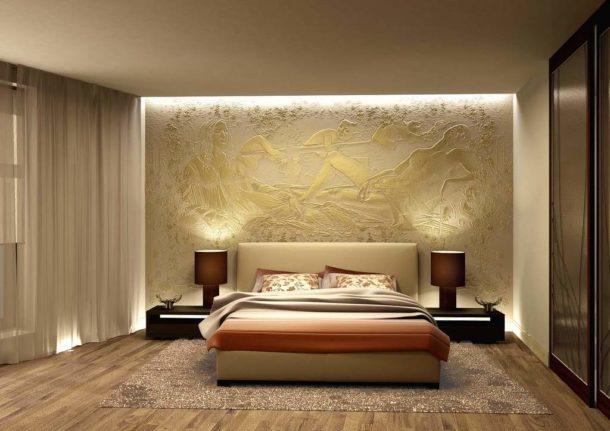 Сюжетный барельеф в интерьере спальни