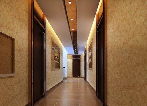 Дизайн потолочной поверхности в коридоре должен стать продолжением общего стиля квартиры