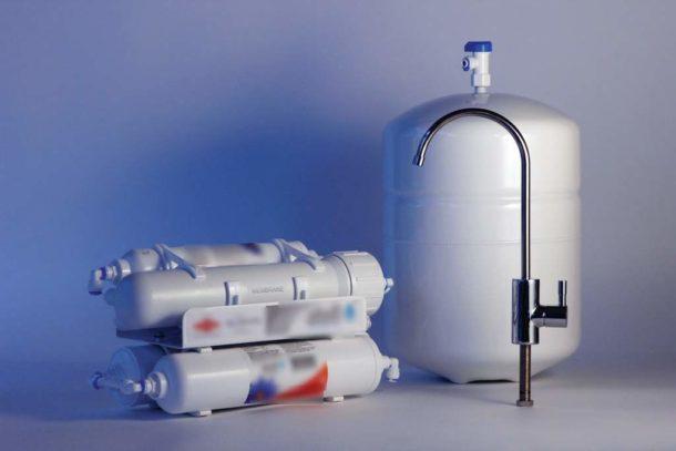 Система фильтрации с обратноосмотической мембраной