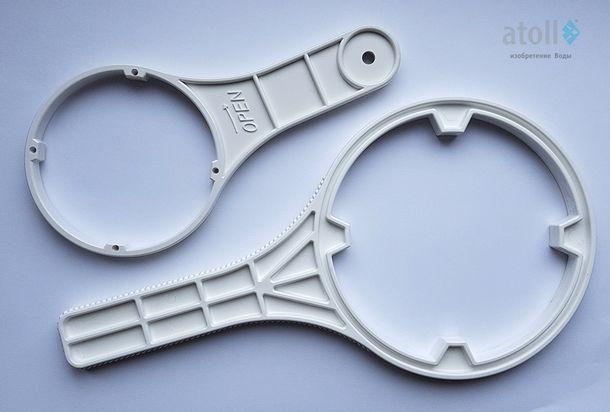 Специальный ключ для замены фильтрующих элементов