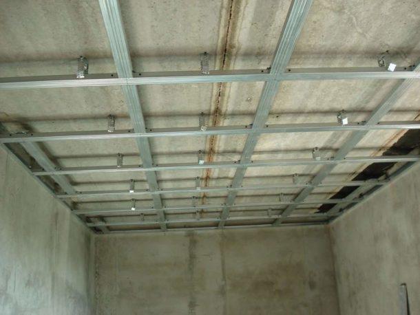 Готовая обрешетка для одноуровневого подвесного потолка