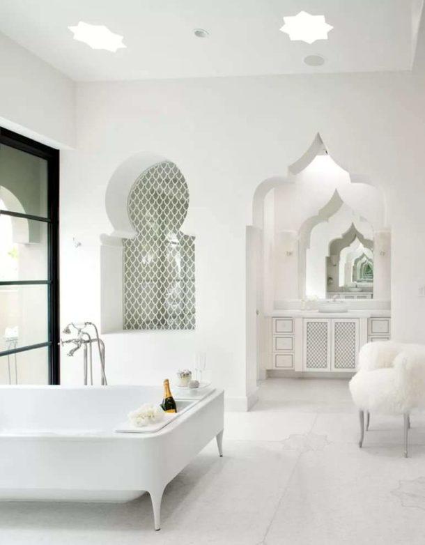 Арки из гипсокартона в ванной в средиземноморском стиле