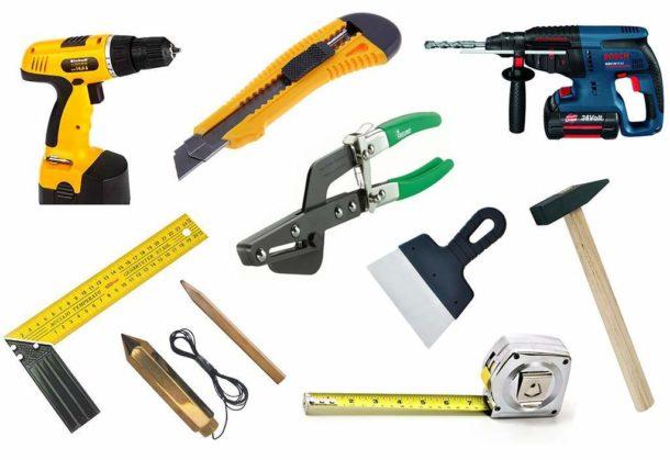 Инструменты для монтажа конструкции из ГКЛ, обрамляющей натяжной потолок