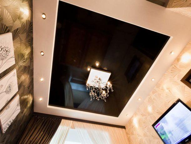 Короб из ГКЛ на потолке под натяжной потолок с подсветкой по периметру