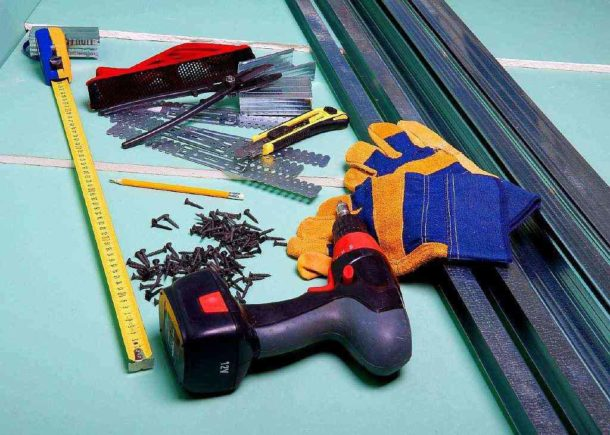 Материалы и инструменты для сборки гипсокартонной конструкции