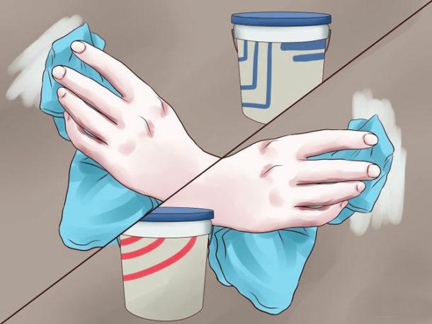 Для более качественной обработки поверхности грунтовку лучше наносить не валиком, а мягкой тканью