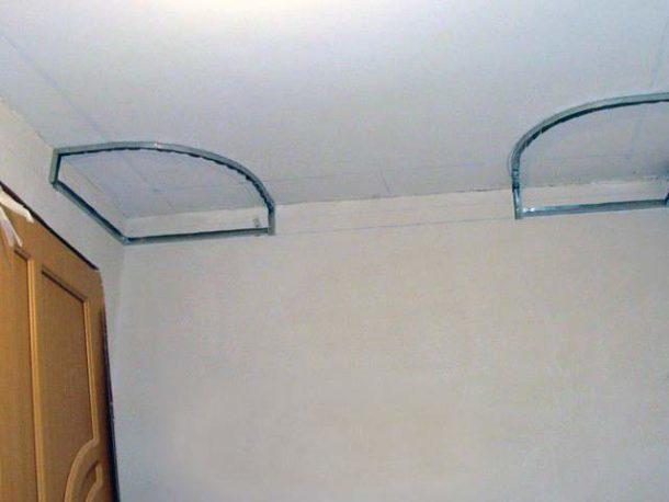 Разметка под направляющие для потолочного короба
