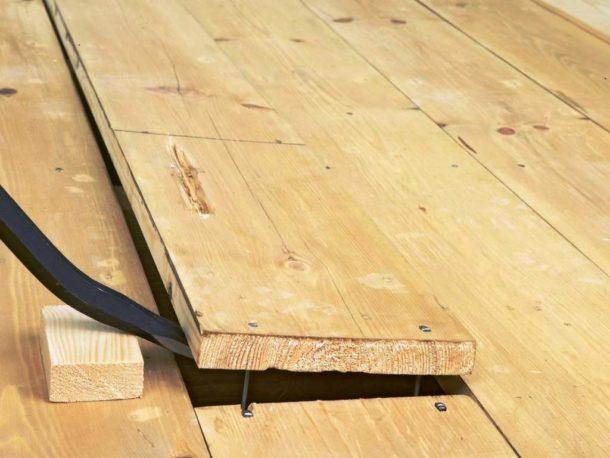 Ревизия деревянного пола перед укладкой плитки