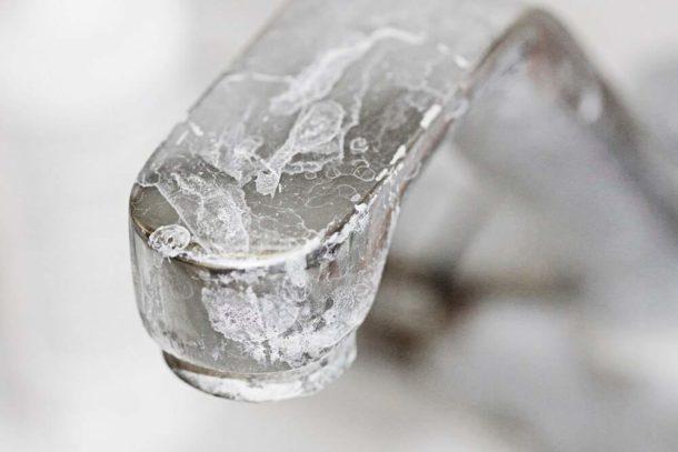 Повышенную жесткость воды можно устранить с помощью фильтров разных типов