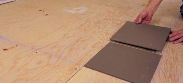 Укладка плитки на основание из фанеры