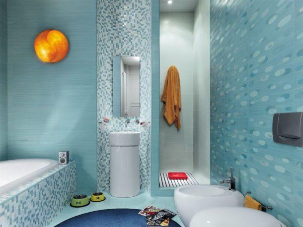 Выделение отдельных зон ванной с помощью разного кафеля