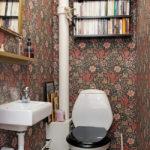 Цветочные обои в туалете в хрущевке
