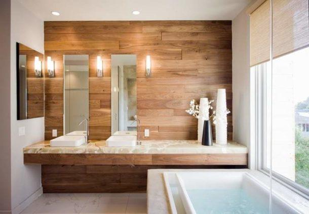 Интерьер ванной комнаты, оформленной с использованием дерева