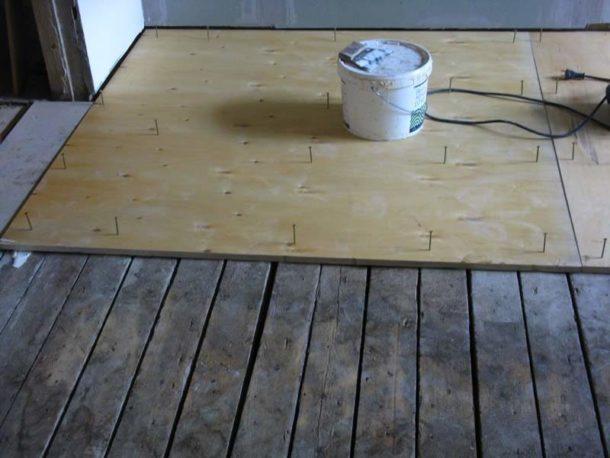 Монтаж фанерных листов на деревянное основание