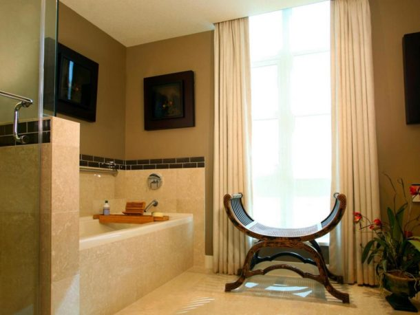 Центральный элемент ванной