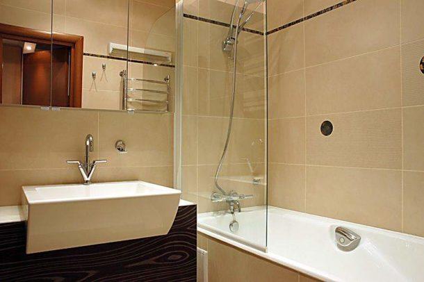 Шкафчик-зеркало в ванной