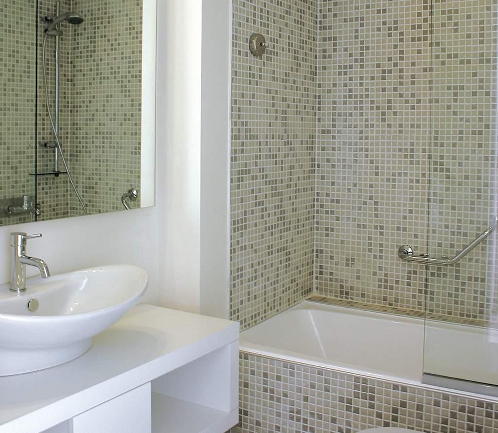 Мозаика и плитка в ванной комнате дизайн 26 фото