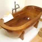 Ванна из натурального дерева