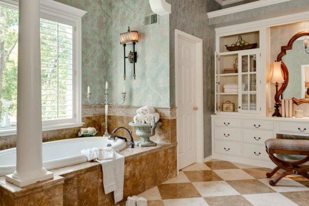 Дизайн ванной в духе классики
