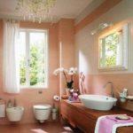 Санузел, оформленный в светло-розовом цвете