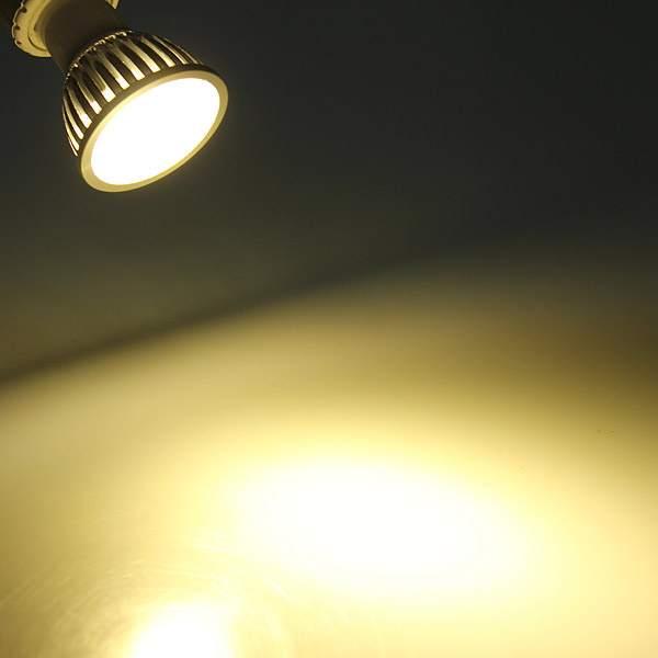 Теплый свет 2700–3500 К