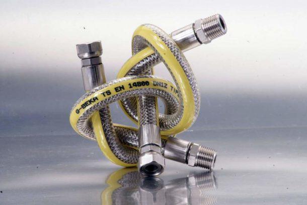 Выбираем тип газовой подводки для плиты