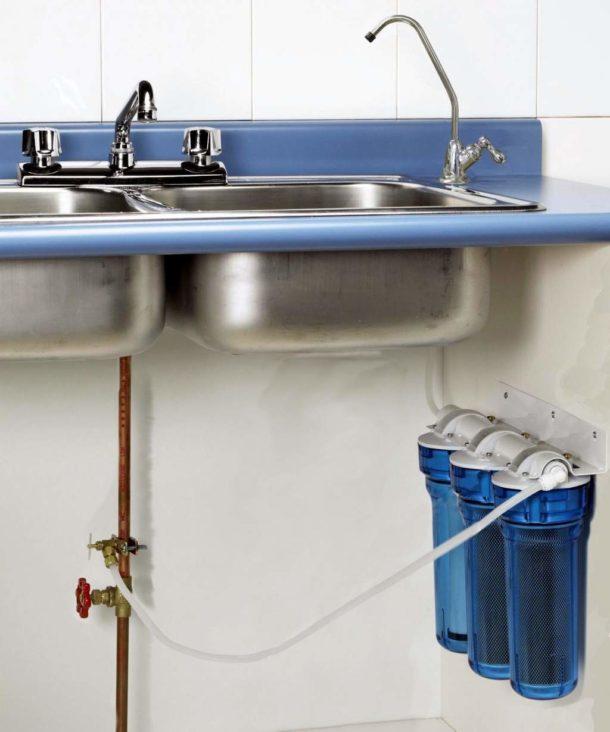 Устройство, установленное под кухонной раковиной