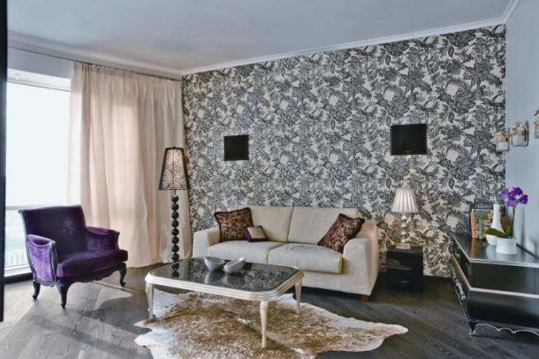 Серые полотна в южной комнате
