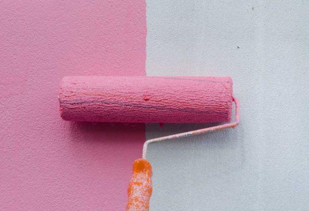 Можно ли клеить обои на водоэмульсионную краску