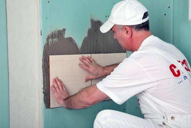 Kartonpiyer üzerine duvar kağıdı tutkal koymadan yapıştırmak mümkün müdür