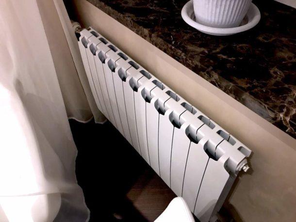 Монолитный радиатор внешне не отличается от секционного