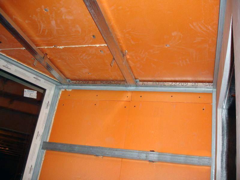 Утепление стен изнутри пеноплексом и гипсокартонном.
