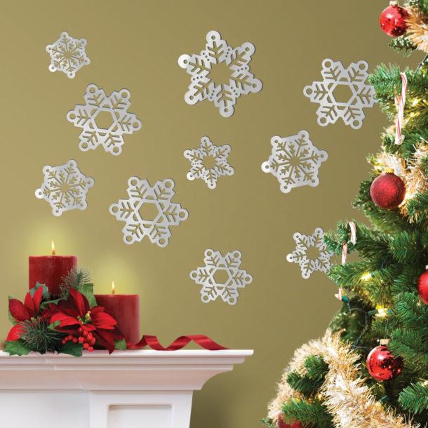 Снежинки на стенах