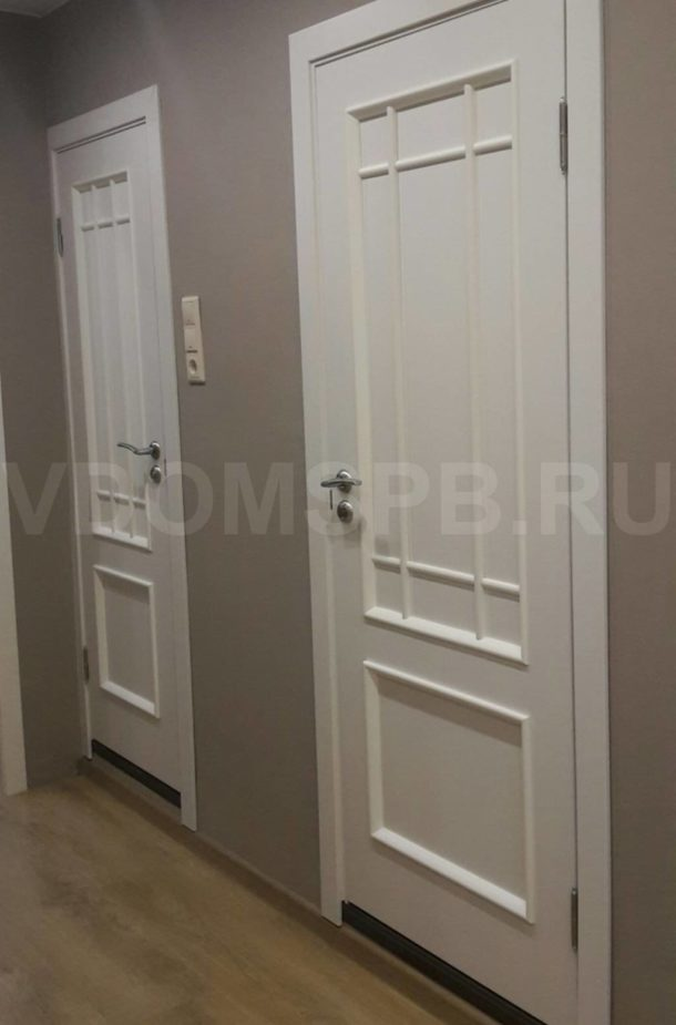 Двери в ванную и туалет в 137 серии с покрытием из пленки ПВХ