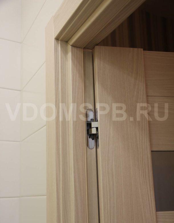Врезка скрытых петель в дверь в ванную