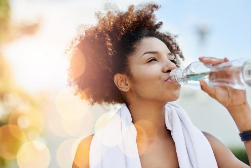 Можно ли пить дистиллированную воду польза и вред, опасности для человека