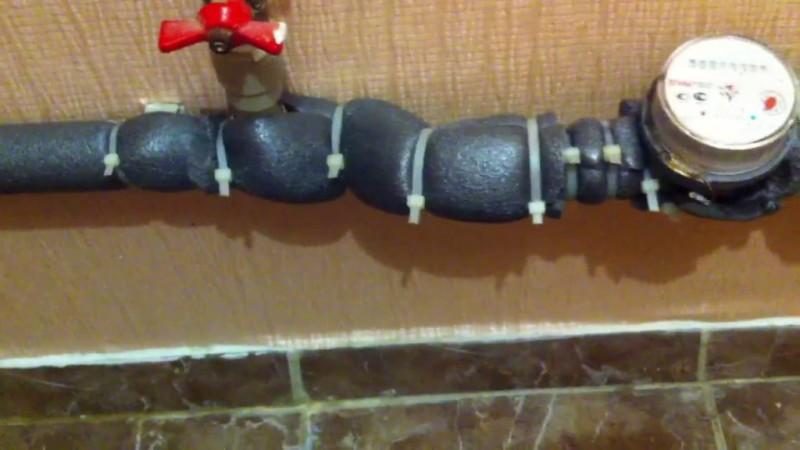 Потеет труба холодной воды Решение проблемы