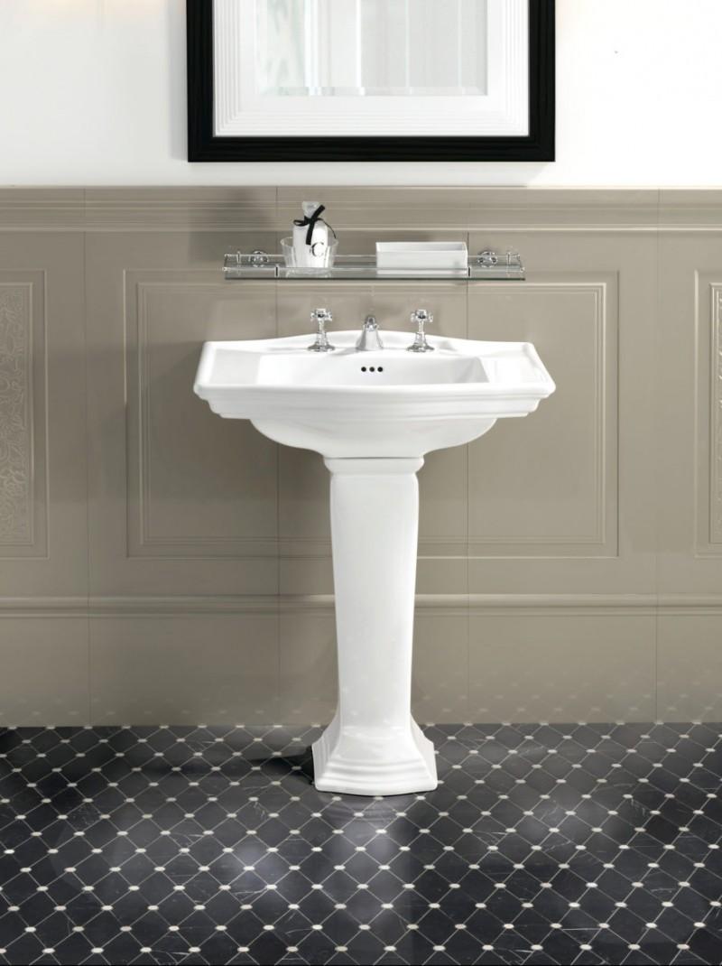 На какой высоте установить раковину умывальник в ванной