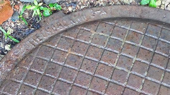 Почему канализационные люки круглые