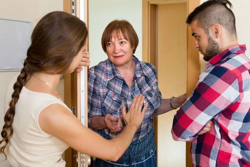 Соседи снизу жалуются на шум или топот ребенка что делать